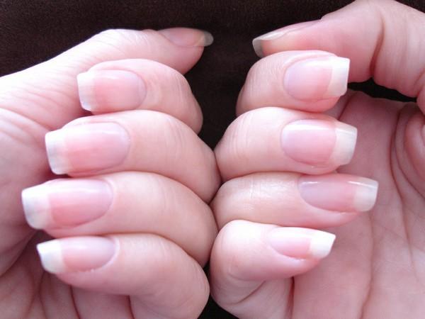 Kích thích móng tay mọc nhanh chỉ sau 1 tuần không cần phải nối móng - Ảnh 1