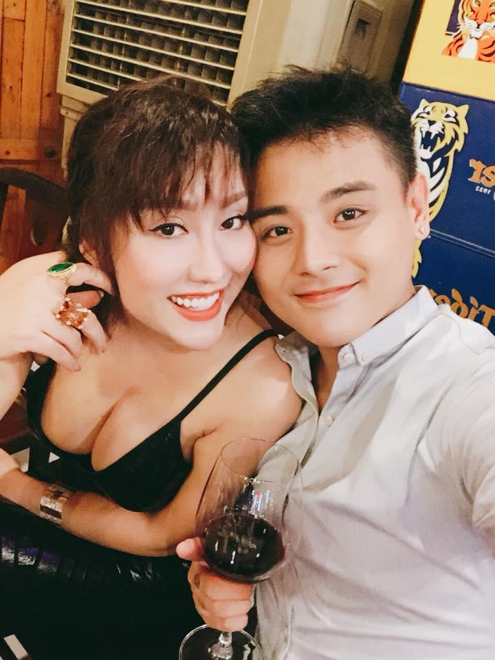 Tham khoe ngực khủng, Phi Thanh Vân khiến nhiều người 'phát hoảng' vì để lộ nội y phản cảm - Ảnh 3