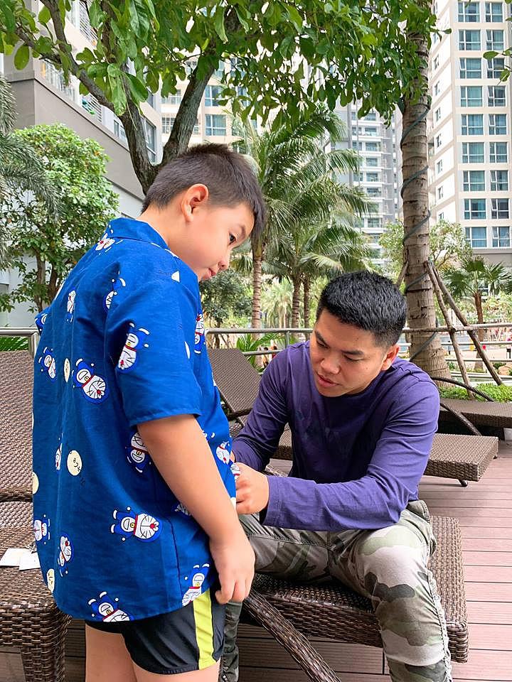 Đối xử với con riêng của vợ chẳng khác gì cha ruột, ông xã Lê Phương nhận được điều này từ bé Cà Pháo - Ảnh 5