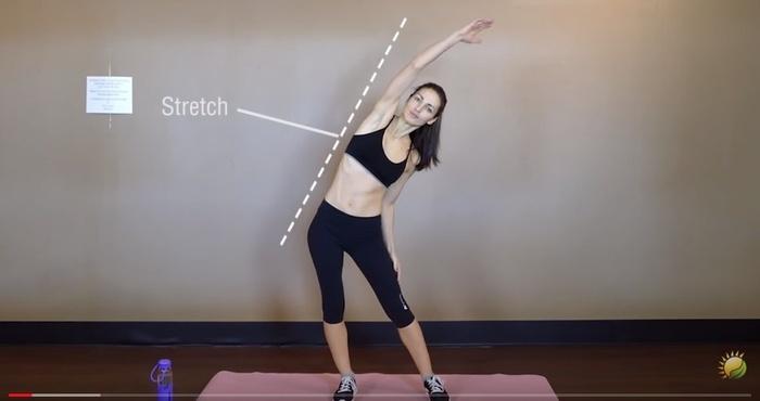 3 động tác kéo căng trước khi đi ngủ giúp bạn giảm cân siêu tốc - Ảnh 1