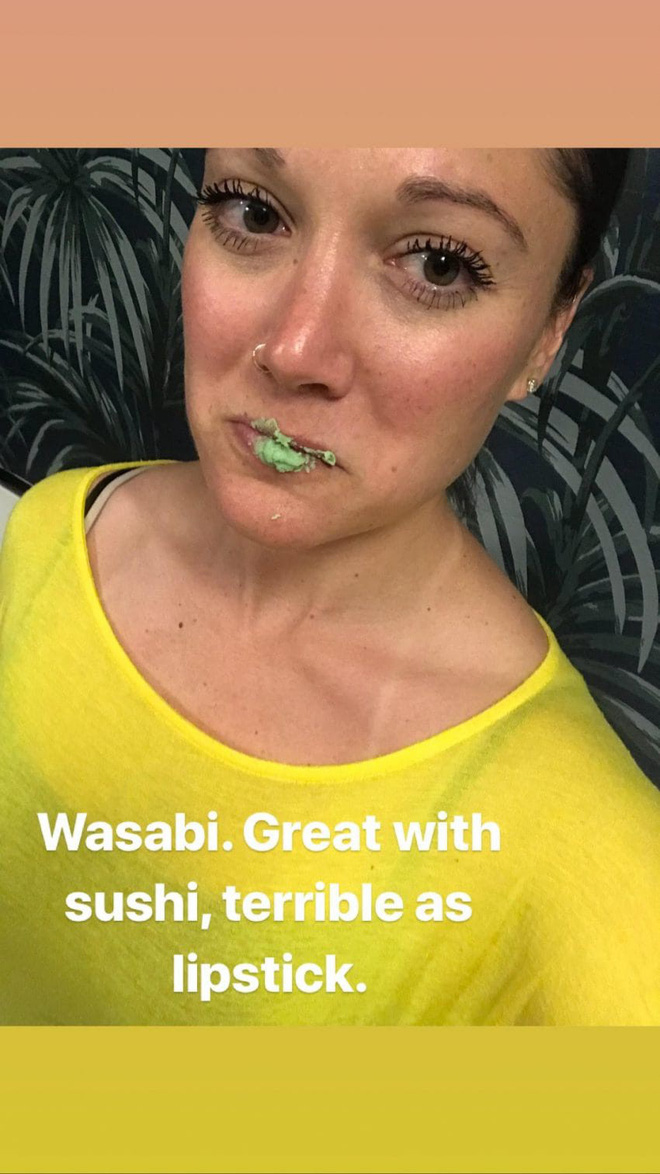 """Kem đánh răng, ớt bột đến mù tạt… cô nàng đích thân thử nghiệm 5 cách """"bơm"""" môi căng mọng tự nhiên để xem tác dụng thực hư - Ảnh 10"""
