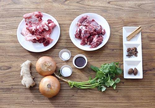 Cách nấu phở bò thơm ngon chuẩn vị đơn giản tại nhà - Ảnh 1