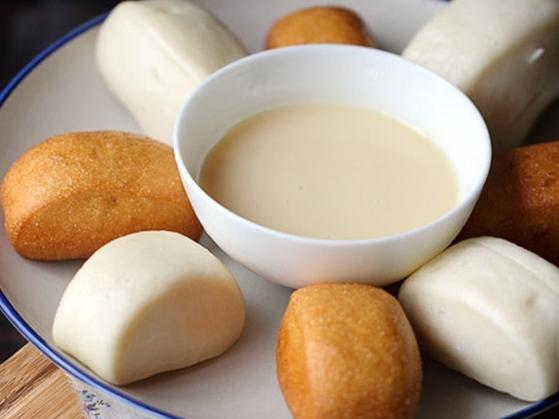Tự tay làm bánh bao chay chiên giòn ngon hơn ngoài hàng - Ảnh 1
