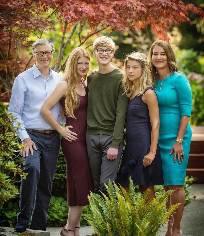 Con gái tỷ phú Bill Gates lần đầu tiết lộ cuộc sống bên trong gia đình tài phiệt của mình: 'Tôi được sinh ra trong môi trường đầy những đặc quyền' - Ảnh 3