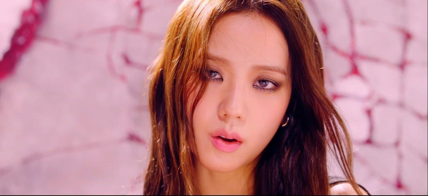Jisoo (Black Pink) hay bị chê 'nhạt' nhưng nếu điểm lại hình ảnh của cô trong How You Like That thì ai cũng phải câm nín - Ảnh 5