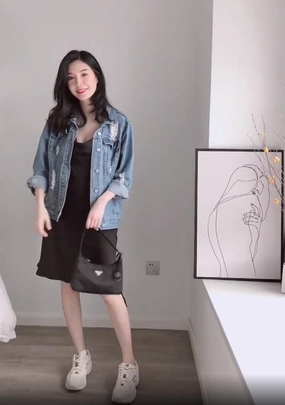 Không tin chỉ 1 chiếc váy đen mà mặc được từ đi làm tới đi chơi, nàng công sở ra tay chứng minh với 11 set đồ bắt mắt - Ảnh 7