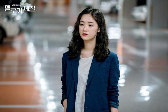 Song Joong Ki 'bị dụ' làm trùm mafia, bén duyên với 'gái ế' Jeon Yeo Bin ở dự án phim mới - Ảnh 6