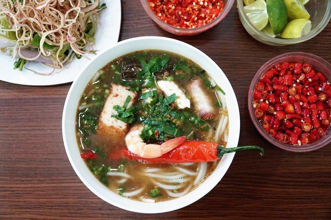 Quán bún mắm, bún thịt nướng có thâm niên trên 20 năm ở Sài Gòn - Ảnh 1