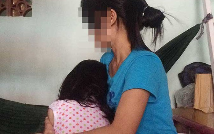 Mẹ đưa con trai út lên TP.HCM chữa bệnh, cha ở nhà hiếp dâm con gái ruột - Ảnh 1