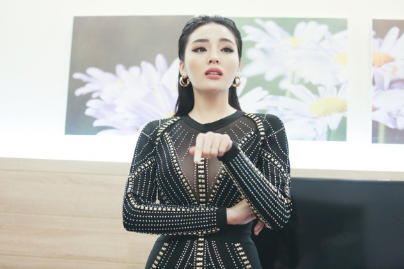 Bị nghi hơn thua với Hương Giang tới mức khóc như mưa, Hoa hậu Kỳ Duyên lên tiếng phân trần - Ảnh 1
