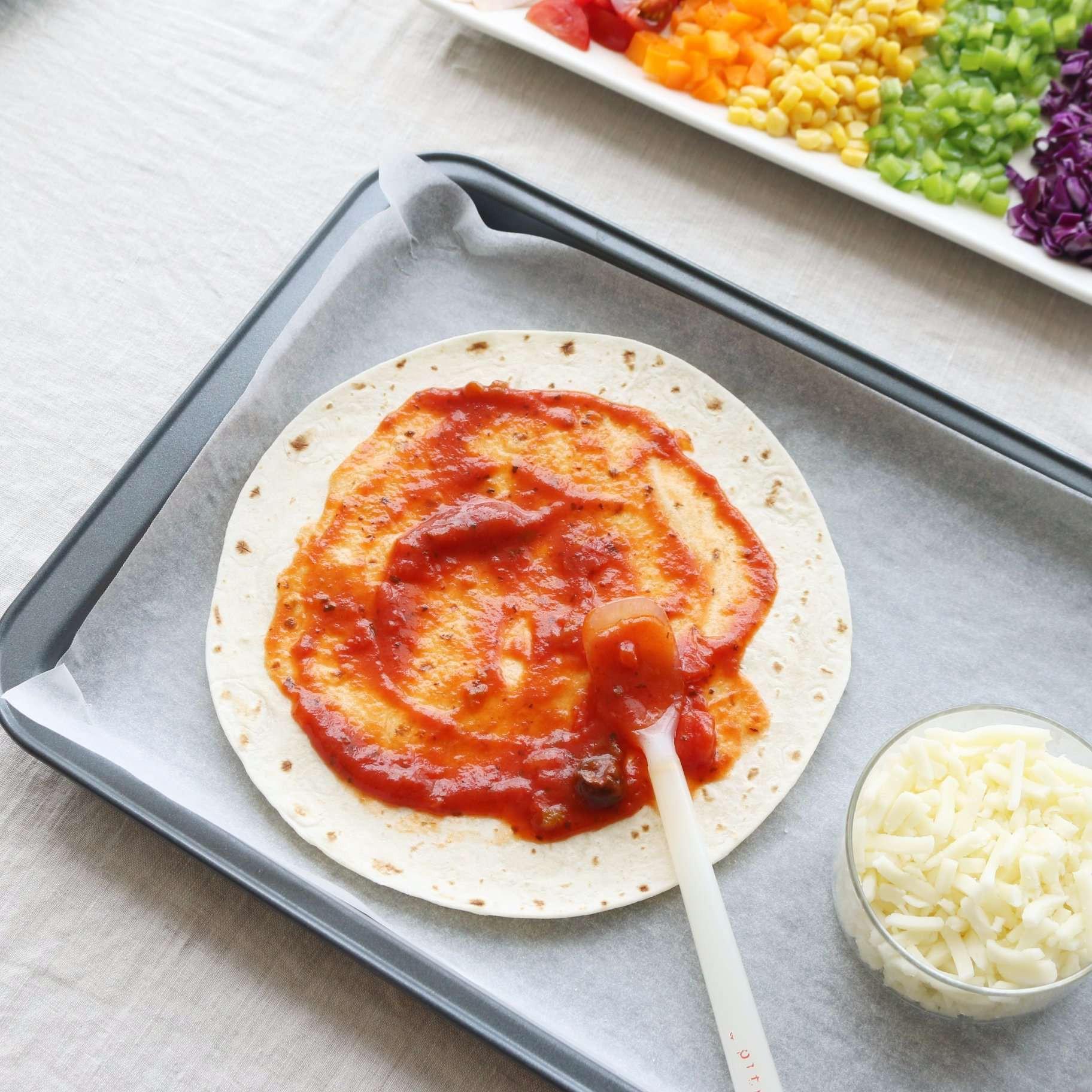 Bật mí công thức pizza cầu vồng cực đơn giản nhưng hút mắt vô cùng - Ảnh 3