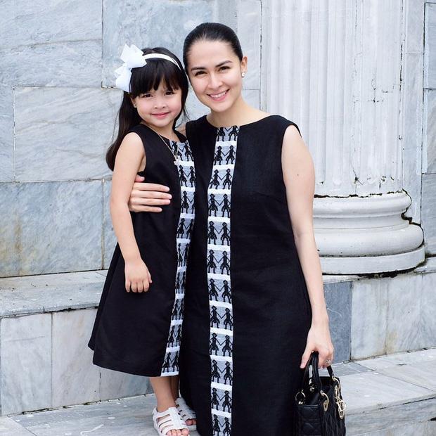 Con gái 'mỹ nhân đẹp nhất Philippines' được khen khi mặc đồ đôi với mẹ - Ảnh 1