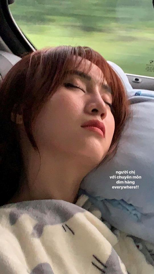 Ninh Dương Lan Ngọc bị đăng ảnh 'dìm' nhan sắc lúc ngủ - Ảnh 1