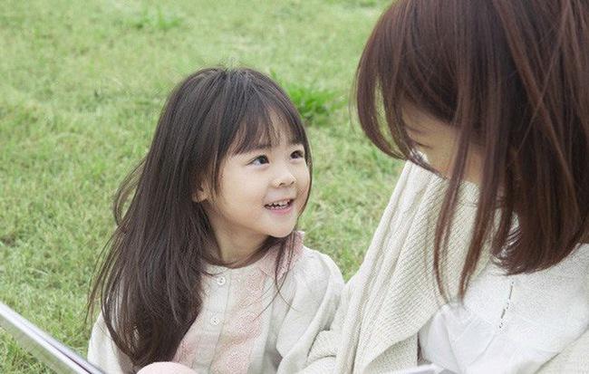 7 điều cha mẹ hay làm tưởng tốt cho con nhưng hóa ra đang hại tương lai sau này của trẻ - Ảnh 2