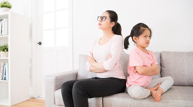 7 điều cha mẹ hay làm tưởng tốt cho con nhưng hóa ra đang hại tương lai sau này của trẻ - Ảnh 4