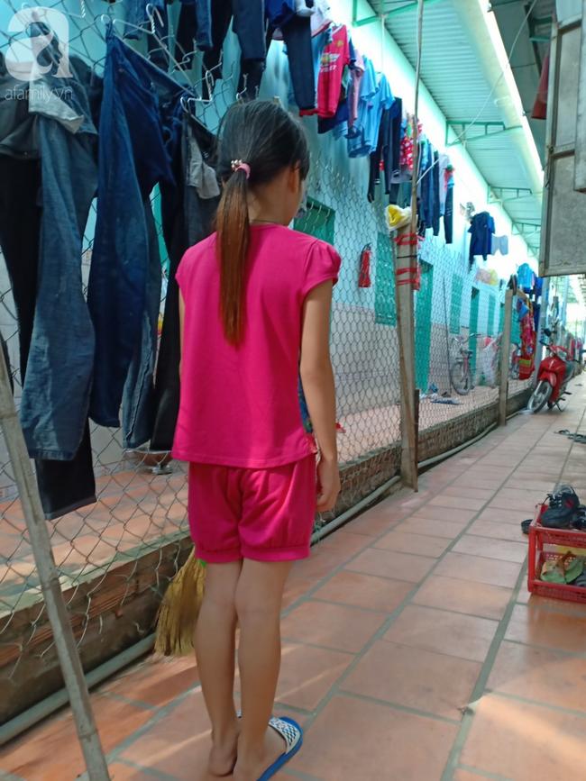 Vụ bé gái 10 tuổi nghi bị hãm hiếp tập thể: Công an bất ngờ đưa bé sang Đồng Nai giám định lại - Ảnh 1