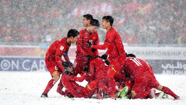 Việt Nam vô địch AFF Cup vẫn bị cho là dưới cơ Thái Lan, Vượng Râu gây 'bão' mạng khi lên tiếng 'phản pháo' - Ảnh 1