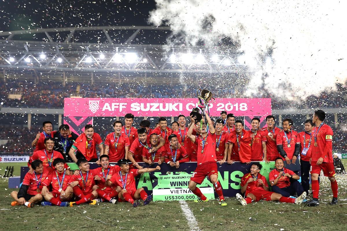 Việt Nam vô địch AFF Cup vẫn bị cho là dưới cơ Thái Lan, Vượng Râu gây 'bão' mạng khi lên tiếng 'phản pháo' - Ảnh 2