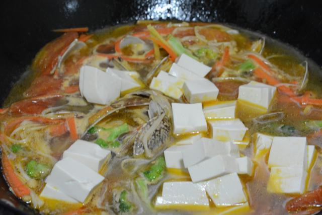 Canh ngao đậu hũ không dầu mỡ cho bữa tối thêm ngọt ngào ấm cúng - Ảnh 4