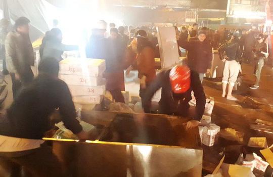 Cháy chợ đầu mối lớn nhất Thanh Hóa trong đêm cận Tết, tiểu thương trắng tay - Ảnh 3