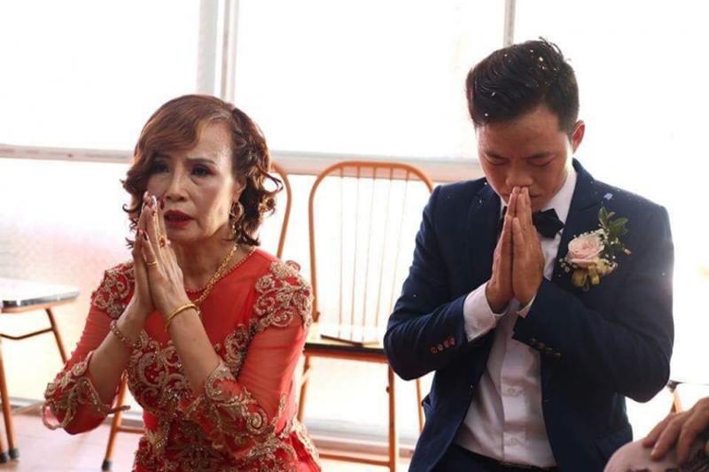 """Hơn chồng 36 tuổi, cô dâu Cao Bằng """"đại tu"""" những bộ phận này để không bị nhầm là MẸ-CON - Ảnh 1"""