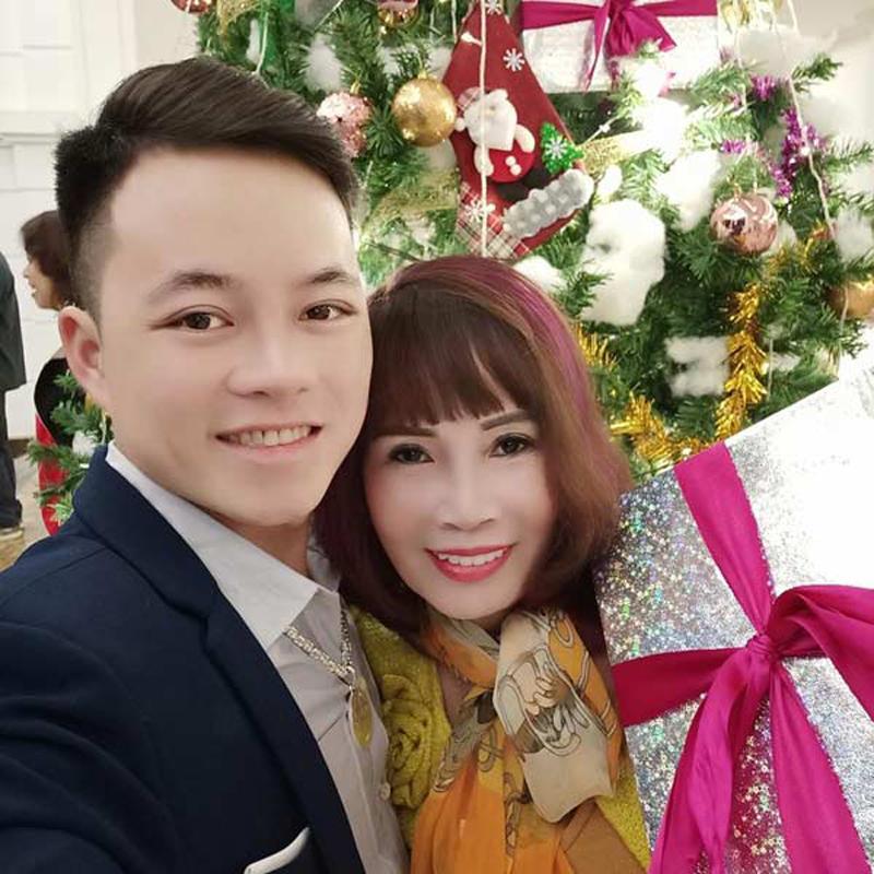 """Hơn chồng 36 tuổi, cô dâu Cao Bằng """"đại tu"""" những bộ phận này để không bị nhầm là MẸ-CON - Ảnh 10"""