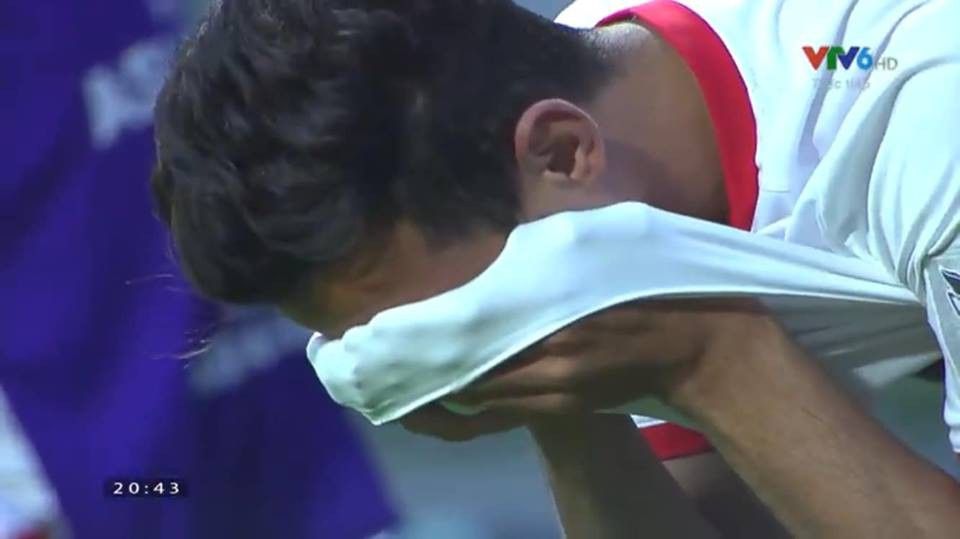 Đáng thương hình ảnh cầu thủ Jordan gục đầu khóc sau quả luân lưu định mệnh của Tư Dũng - Ảnh 8