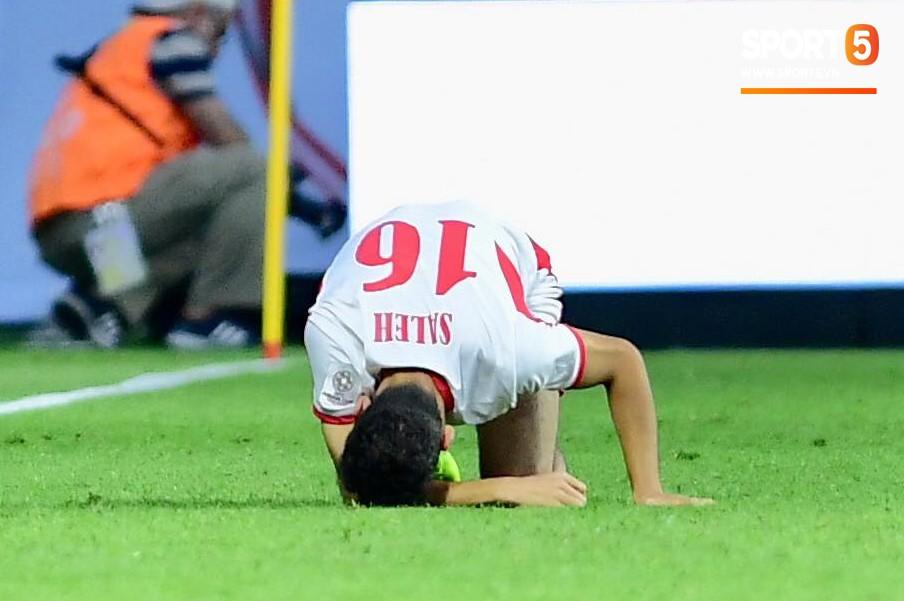 Đáng thương hình ảnh cầu thủ Jordan gục đầu khóc sau quả luân lưu định mệnh của Tư Dũng - Ảnh 5