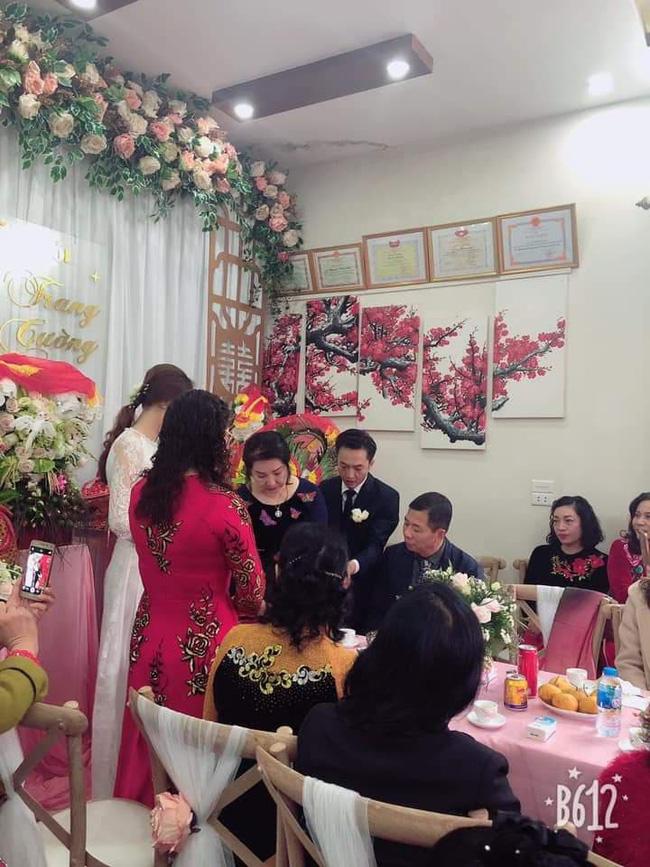 Cận cảnh hình ảnh 'người đàn bà thép' Như Loan - mẹ ruột Cường Đô La - khóc trong lễ hỏi cưới Đàm Thu Trang - Ảnh 3