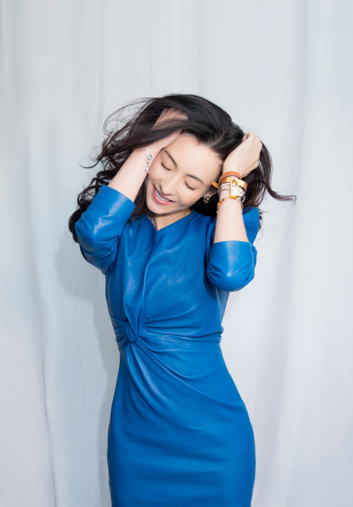 Mới sinh con được 2 tháng, Trương Bá Chi vẫn hết lòng giúp Châu Tinh Trì quảng bá phim mới - Ảnh 6