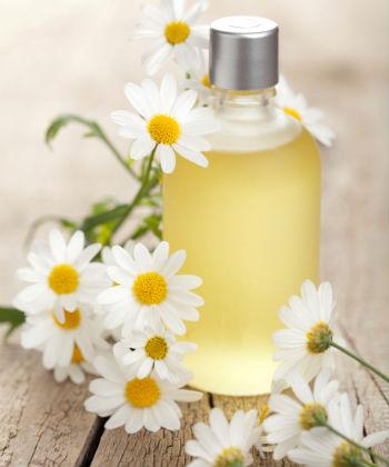5 loại tinh dầu tự nhiên có thể xóa mờ đốm đen, ngăn ngừa lão hóa hiệu quả - Ảnh 3