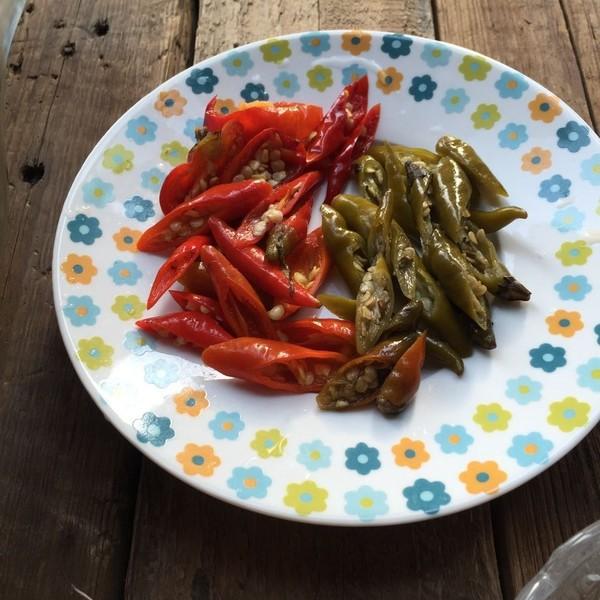 Có 1 cách làm rau củ trộn chua cay tuyệt ngon mà bạn nên học ngay để làm món tủ chống ngán Tết này - Ảnh 2