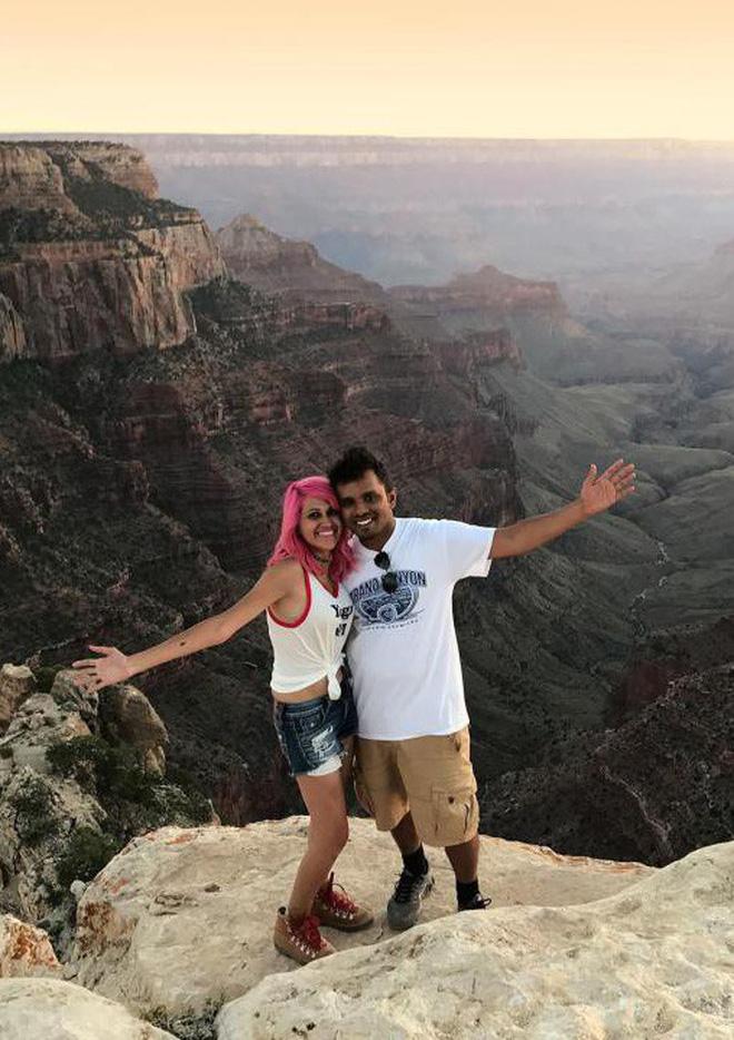 Chụp ảnh tự sướng trên vách đá dựng đứng, vợ chồng Travel Blogger rơi xuống vực chết thảm - Ảnh 3