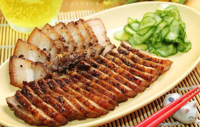 Món thịt heo chiên thơm lừng vàng ươm dễ ợt này tôi học được của người Tàu, cả nhà ai ăn cũng khen nức nở - Ảnh 1