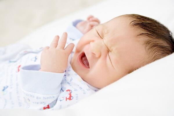 Trẻ sơ sinh 2 tháng tuổi bị ho đờm, mẹ phải làm sao? - Ảnh 2