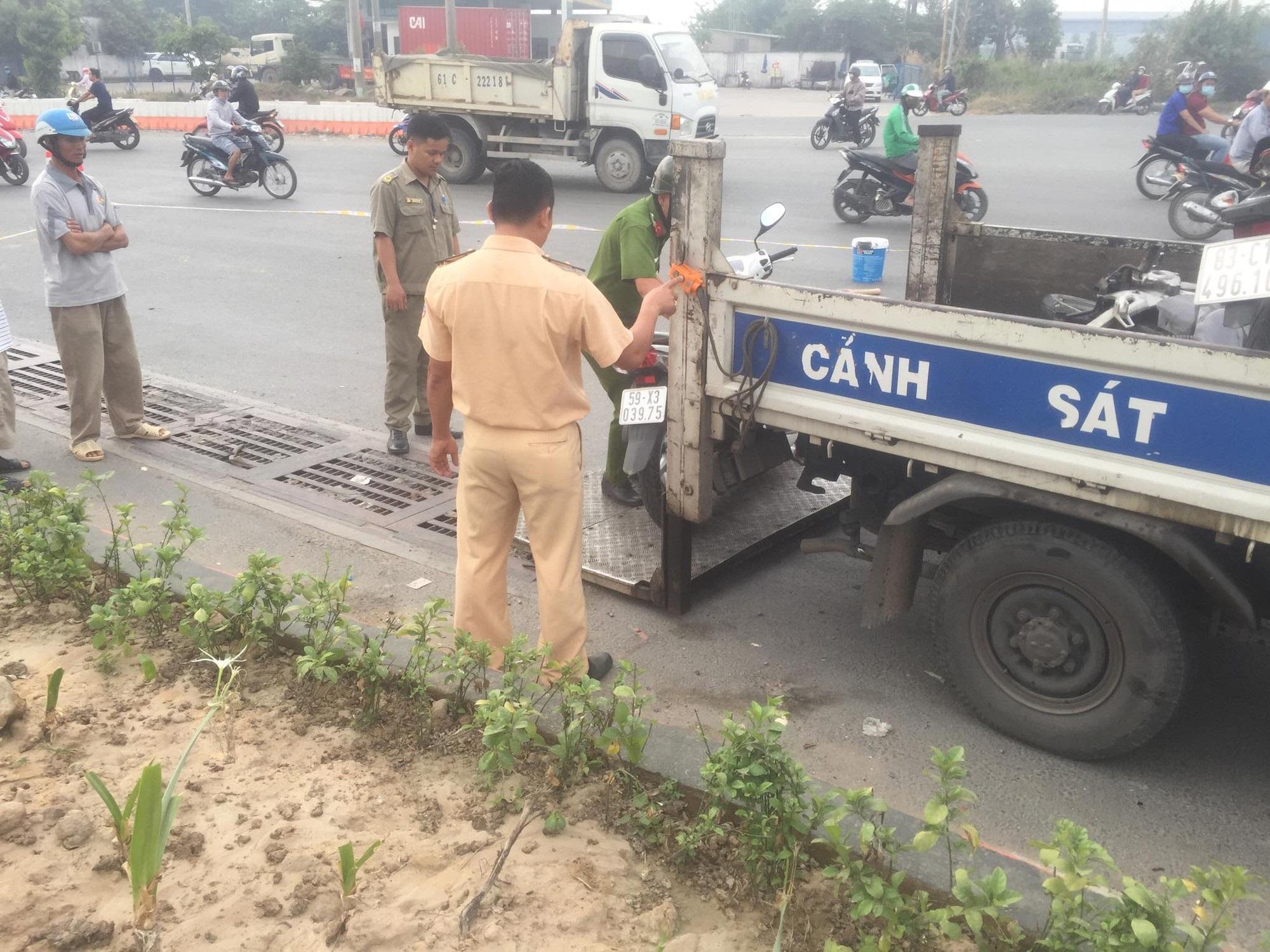 Bình Dương: Dân truy đuổi xe container cán chết người phụ nữ rồi bỏ chạy - Ảnh 2