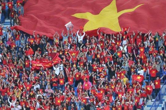 Rưng rưng hình ảnh tuyển Việt Nam phủ đầy quê nhà thầy Park - Ảnh 5