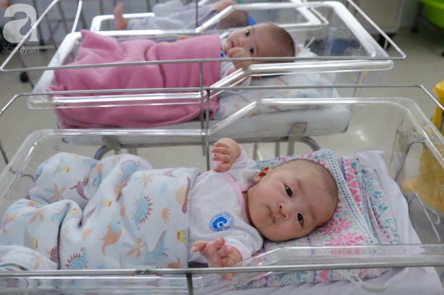 Xót xa cảnh 3 bé gái sinh xong gia đình không đón về, phải chuyển vào viện mồ côi ngày cuối năm - Ảnh 1
