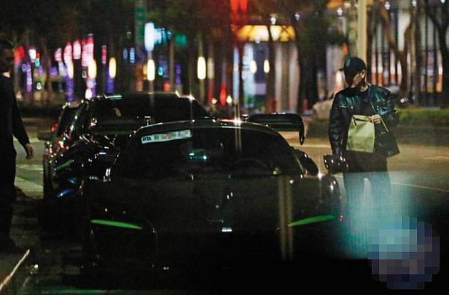 Chàng 'Đoàn Dự' Lâm Chí Dĩnh khiến chị em 'phát cuồng' vì nửa đêm vẫn lái siêu xe đi mua đồ ăn cho vợ - Ảnh 5