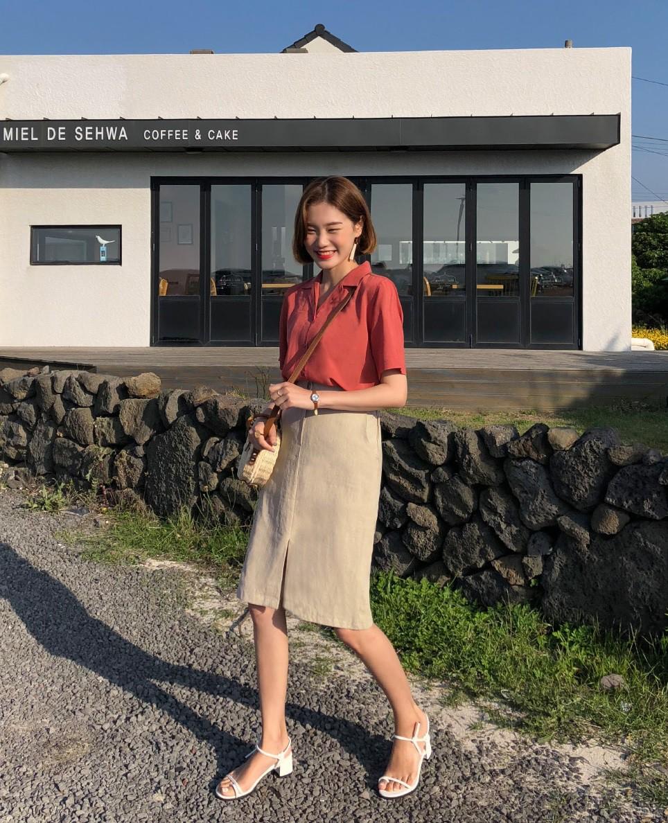 Chuyên nghiệp như chân váy bút chì nhưng không hề kén dáng, chân váy suông chính là item nàng công sở nên sắm ngay - Ảnh 3