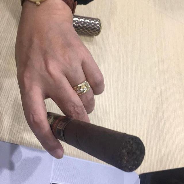 Ngọc Hoàng Quốc Khánh lên tiếng trước tin đồn lấy vợ ở tuổi 57 - Ảnh 1