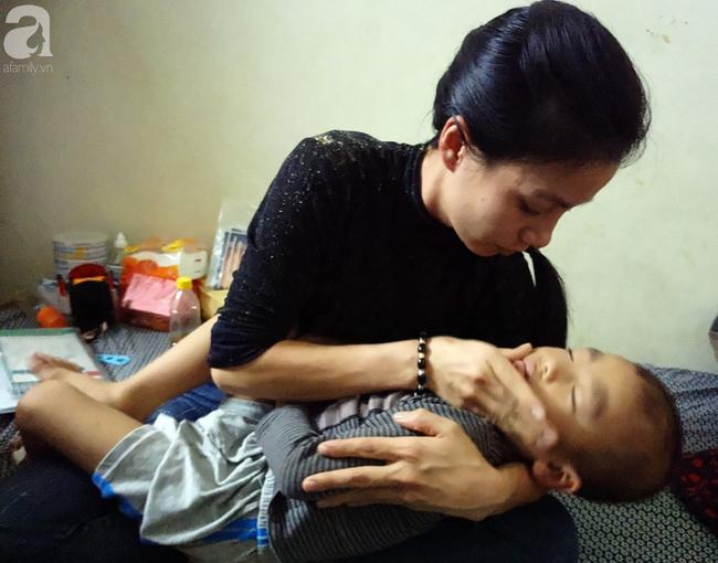 Con trai 4 tuổi mắc ung thư máu và câu hỏi đêm giao thừa trong bệnh viện khiến cha mẹ khóc suốt đêm - Ảnh 4