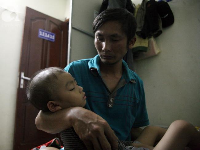 Con trai 4 tuổi mắc ung thư máu và câu hỏi đêm giao thừa trong bệnh viện khiến cha mẹ khóc suốt đêm - Ảnh 5