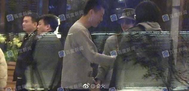 Bị bắt gặp nắm tay trai lạ vào khách sạn, 'Phú Sát hoàng hậu' Tần Lam vẫn một mực phủ nhận chuyện hẹn hò - Ảnh 3