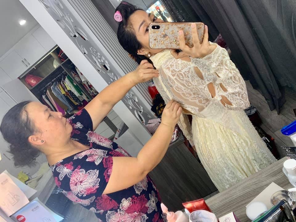 Ốc Thanh Vân tung bộ ảnh cưới cách đây 11 năm, lộ 'bí mật' về chiếc váy cưới cất giữ nhiều năm - Ảnh 2