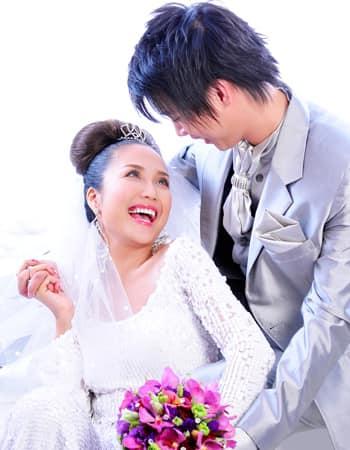 Ốc Thanh Vân tung bộ ảnh cưới cách đây 11 năm, lộ 'bí mật' về chiếc váy cưới cất giữ nhiều năm - Ảnh 6