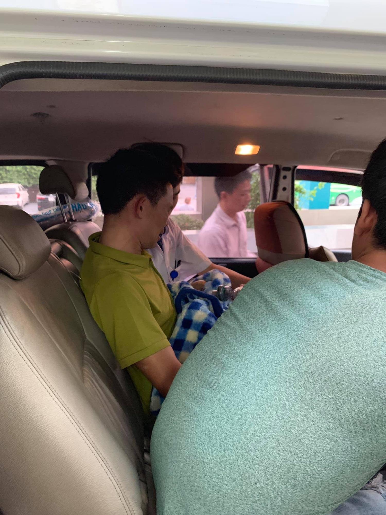 Em trai của Vì Quốc Chiến qua đời và chuyến xe cuối cùng đưa Lực về quê nhà gặp anh trai - Ảnh 4