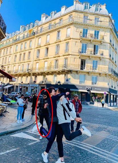 Trấn Thành và Hari Won 'tình bể bình' ở Paris, nhưng Trịnh Thăng Bình mới là tâm điểm của loạt hình - Ảnh 5