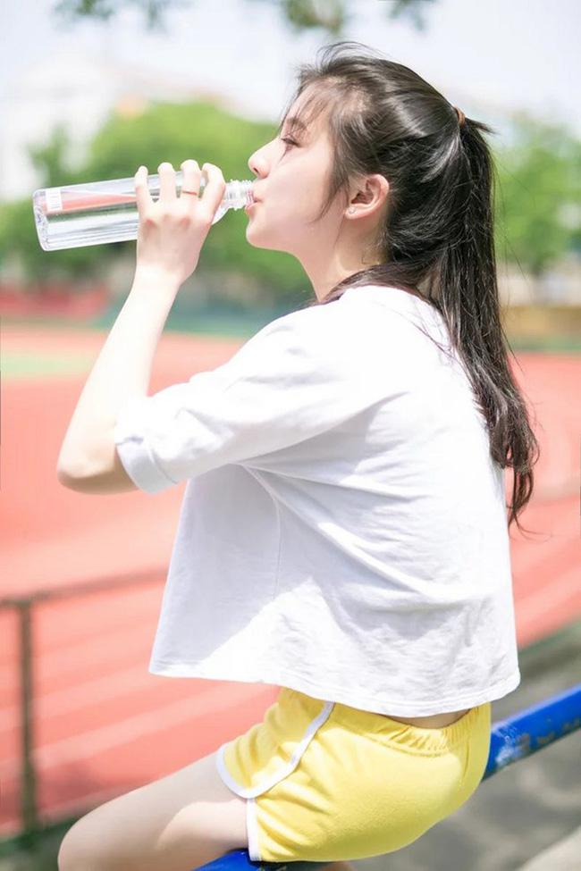 7 thời điểm tốt nhất trong ngày cần phải uống nước để đẩy lùi được nhiều bệnh nguy hiểm như đột quỵ, táo bón, suy tim - Ảnh 3