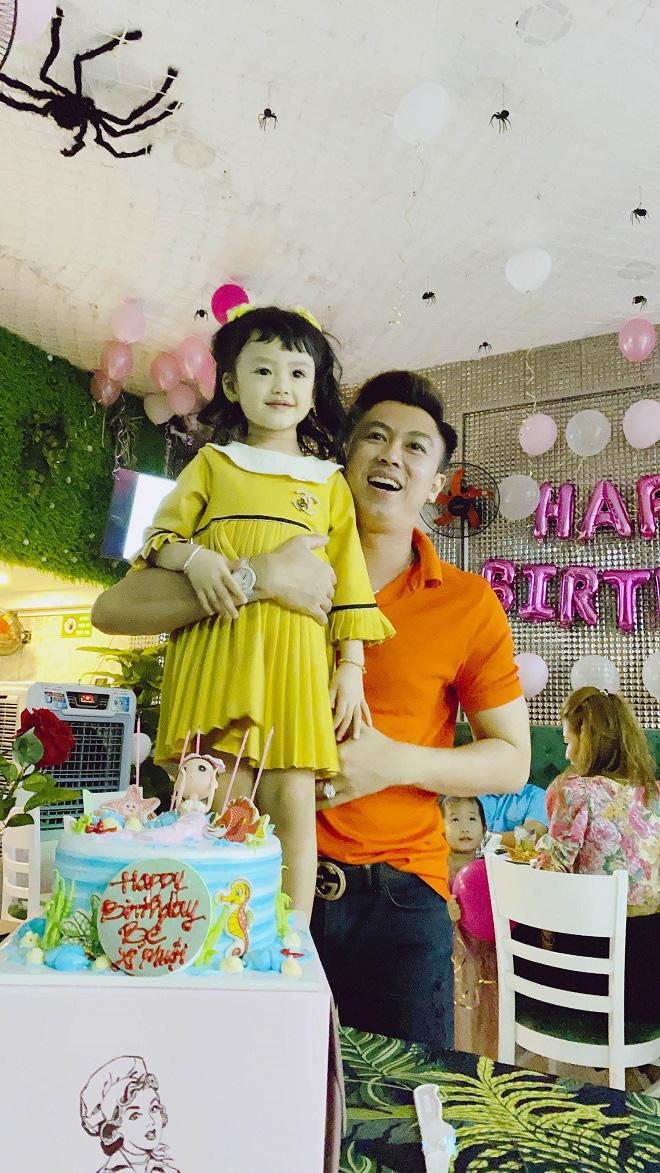 Hồ Việt Trung xin lỗi con gái vì không giữ được hôn nhân - Ảnh 1